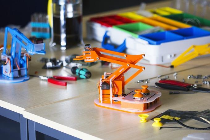 MeArm Pi, il braccio robotico per tutti